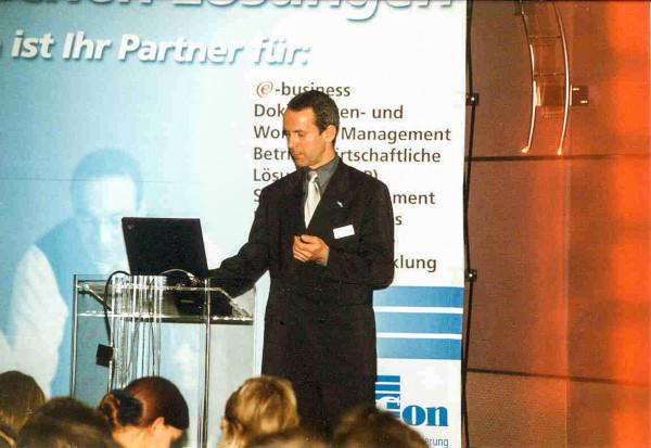 Stefan Spangenberg - Referent auf Kundenevent 2001