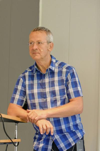 Vortragsreferent Stefan Spangenberg am Rednerpult